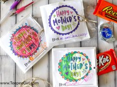 This paper sack Mother's Day card is also a gift and coloring page! It's the perfect and inexpensive way to help kids give a gift that mother's and women everywhere will love! www.TeepeeGirl.com